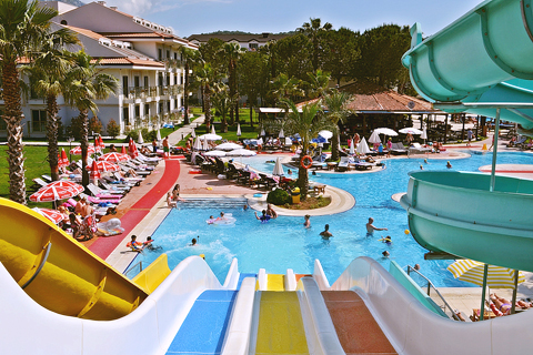 Top 10 Family Waterpark Holidays - Loveholidays.com